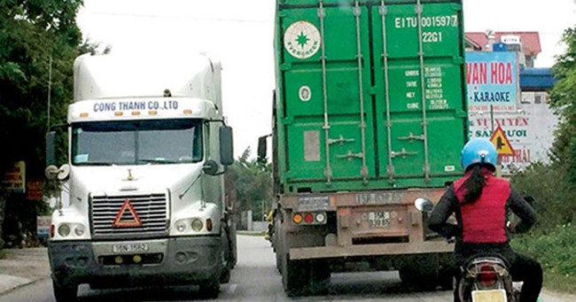 Tăng phí quốc lộ, xử phạt ở tỉnh lộ - xe tải đi lối nào?