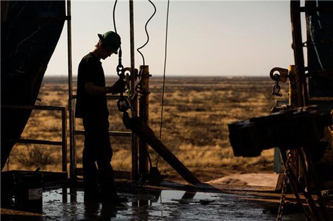 """OPEC dự báo """"buồn"""" sau thỏa thuận đóng băng dầu mỏ"""