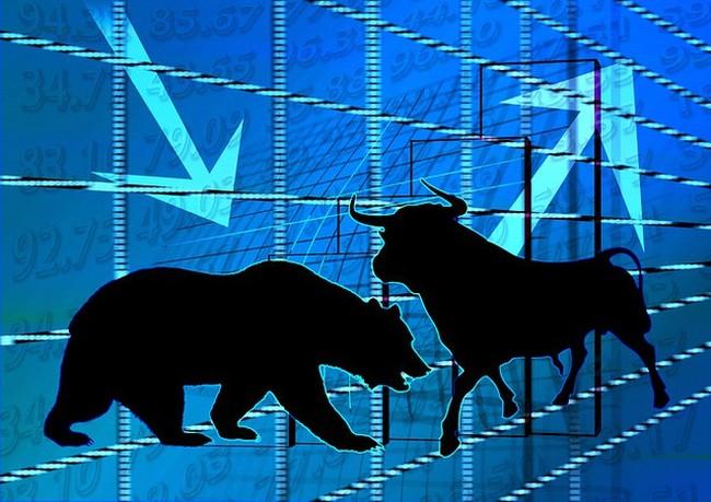 Dòng tiền ồ ạt đổ vào thị trường, VnIndex hướng tới mốc 570 điểm