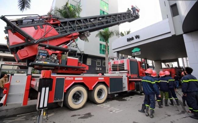 Hà Nội: Cháy ở tòa nhà Toyota Mỹ Đình, nhiều người bị kẹt trong thang máy
