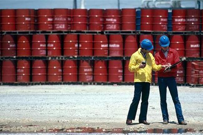 Morgan Stanley: Đừng mong giá dầu lên 70 USD trước năm 2018