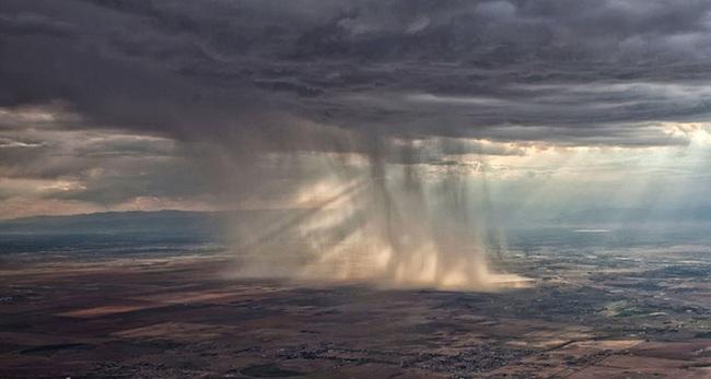 1.300 nông dân Ấn Độ đã tự sát vì hạn hán, công ty này được chính phủ thuê về để tạo mưa