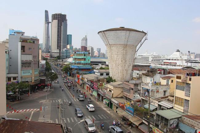 Clip phá dỡ thủy đài bỏ hoang đầu tiên ở Sài Gòn