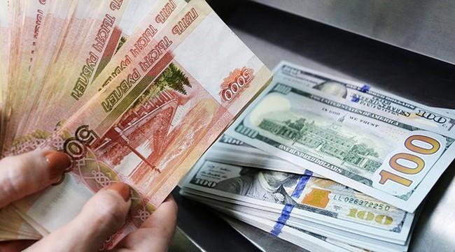 Giá dầu giảm tác động tới Nga nhiều hơn trừng phạt của phương Tây
