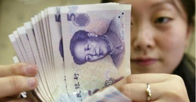 """Trung Quốc """"mắc tóc"""" trong quá trình quốc tế hóa Nhân Dân Tệ"""