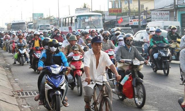 Mỗi ngày dân Sài Gòn sắm 100 ô tô, 1000 xe máy