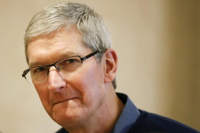 Apple cứng rắn với FBI, cúi đầu trước Trung Quốc?