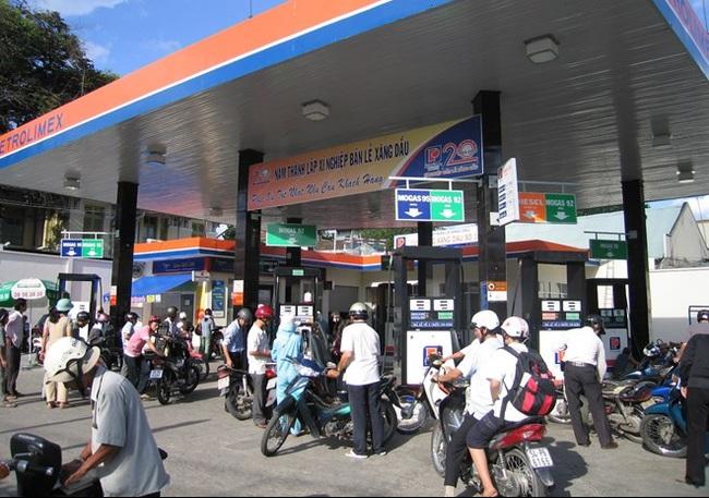 Hà Nội: Cấp phép tạm thời cho các cửa hàng bán lẻ xăng dầu vướng mắc