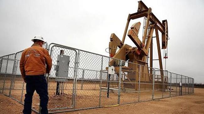 Giá dầu tăng 2% phiên thứ 2
