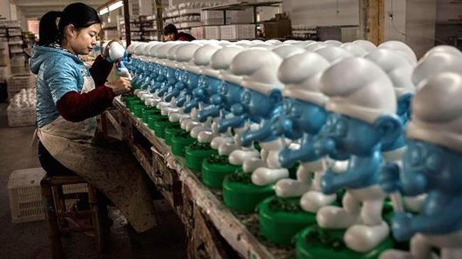Ngành sản xuất Trung Quốc đứng bên mép suy thoái