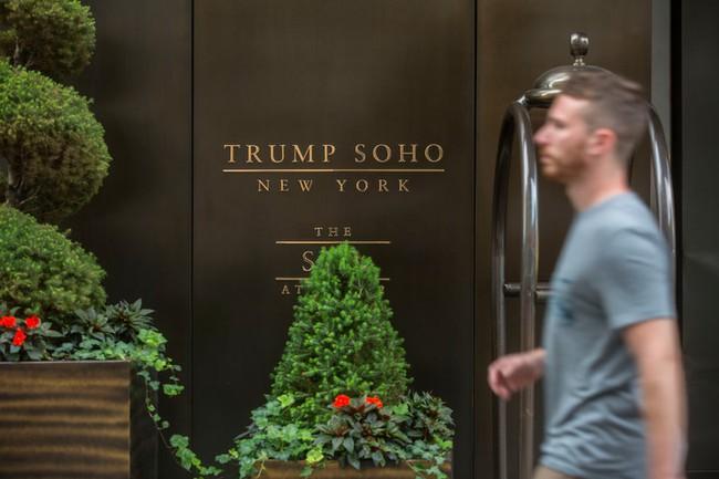 Check in các khách sạn của Donald Trump