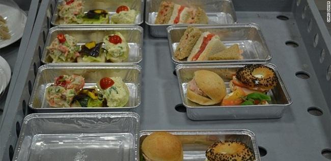 """Công ty """"bán cơm"""" cho Vietnam Airlines dự kiến chia cổ tức tỷ lệ 64%"""