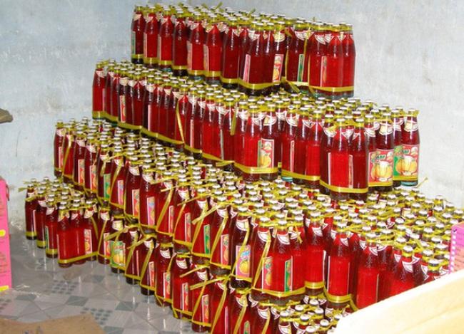 Phát hiện lò sản xuất tương ớt, xirô bẩn quy mô lớn