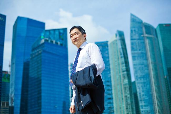 Người đứng sau cơn hỗn loạn của chứng khoán Singapore
