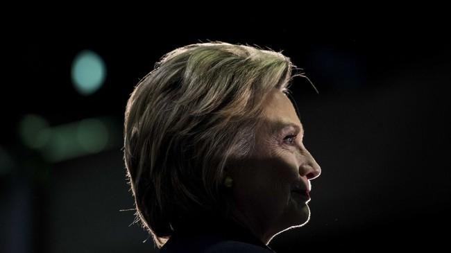 Trở thành ứng viên chính thức của đảng Dân chủ, Hillary Clinton vừa làm nên lịch sử