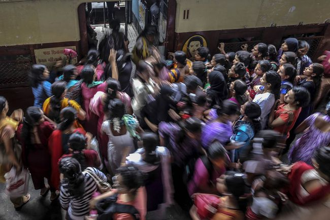 """Để cải tổ tuyến đường sắt """"già"""" nhất châu Á, Ấn Độ đi vay số tiền lớn hơn cả GDP của nhiều quốc gia"""
