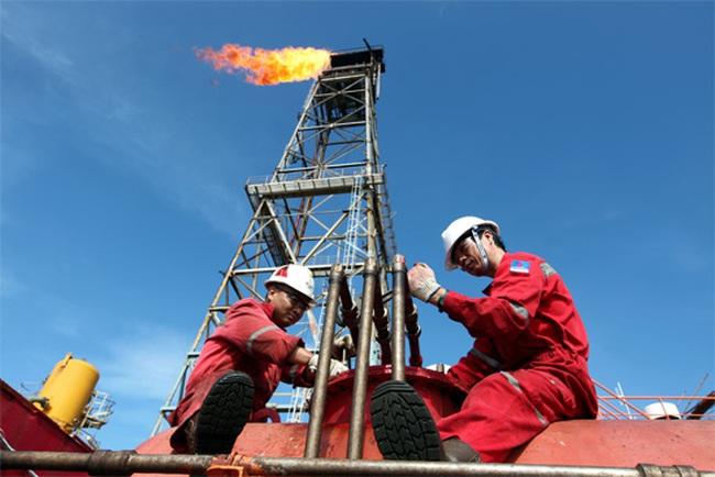 Khai thác thêm 2 triệu tấn dầu thô – kịch bản để bù đắp tăng trưởng