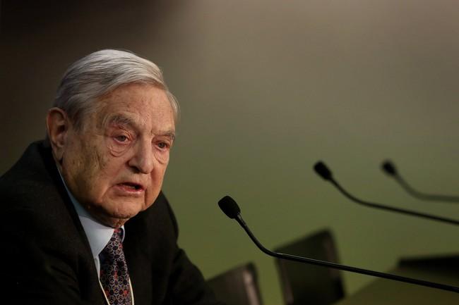 """George Soros dự đoán Trung Quốc sẽ """"hạ cánh cứng"""""""