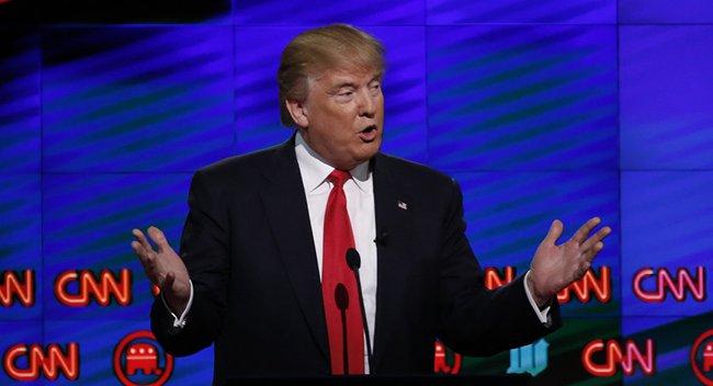 Donald Trump tuyên bố có thể mua bầu cử