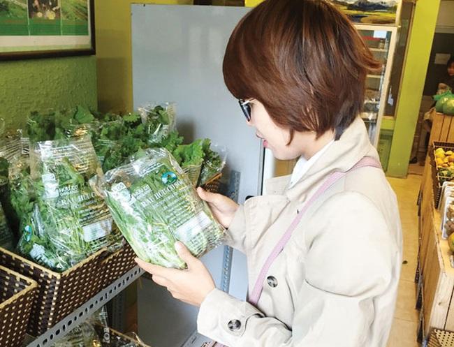 Thị trường rau hữu cơ: Vẫn tin người bán là chính