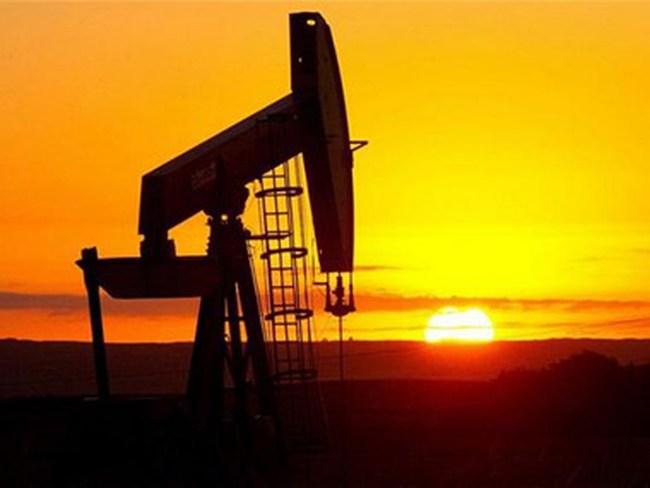 Iran không cắt giảm sản lượng khai thác dầu mà sẽ tăng xuất khẩu