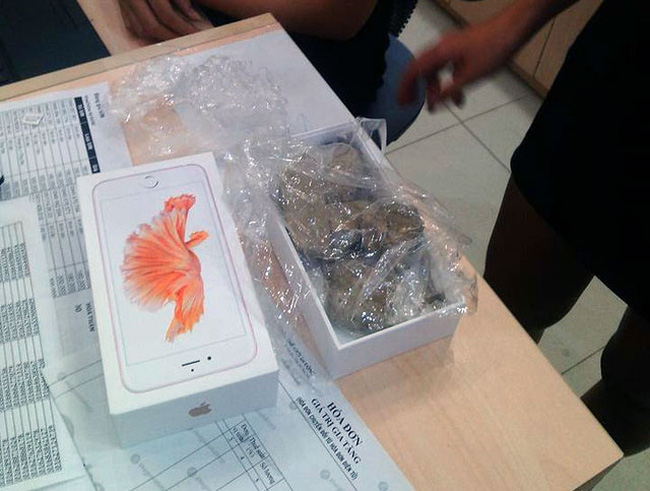 """Đã tìm ra nguyên nhân mua iPhone """"nhận đá"""" tại Thế giới di động"""