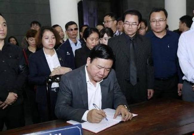 Bí thư Đinh La Thăng tiễn đồng hương – nhạc sĩ Trần Lập