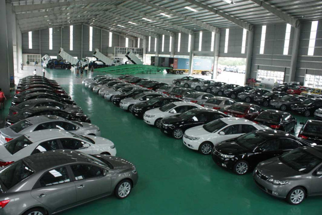 """Cú """"lao dốc"""" đầu năm của ô tô nhập khẩu do cách tính thuế mới"""