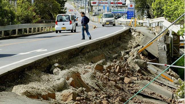Hình ảnh đổ nát ở Kumamoto sau trận động đất