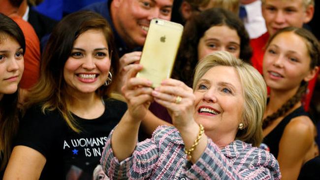 Bà Hillary tiến sát chiến thắng ở Đảng Dân chủ