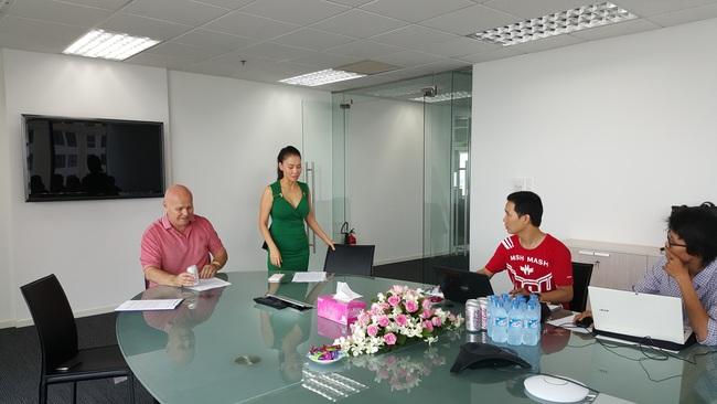 Ca sĩ Thu Minh: Ai đưa ra được thỏa thuận PR, tôi tặng toàn bộ số tiền trong hợp đồng đó