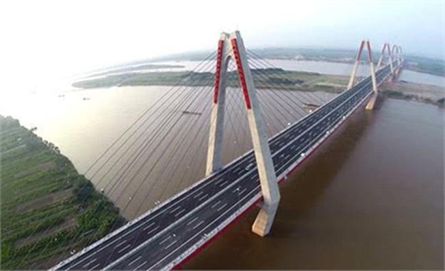 """""""Dự án tỷ đô dọc Sông Hồng, nghe lãng mạn như thơ"""""""