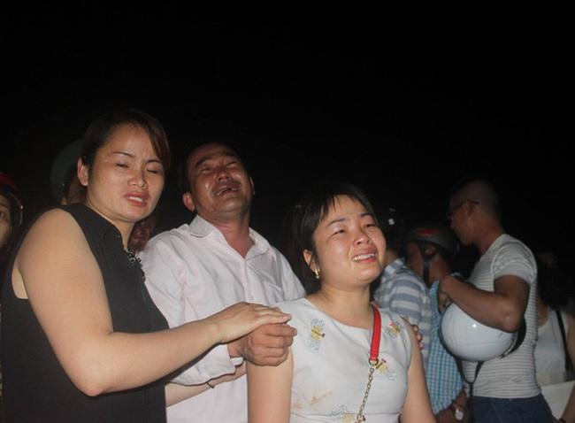 """Vụ lật tàu ở Đà Nẵng: """"Một phần tàu chìm đã có hơn 30 áo phao"""""""