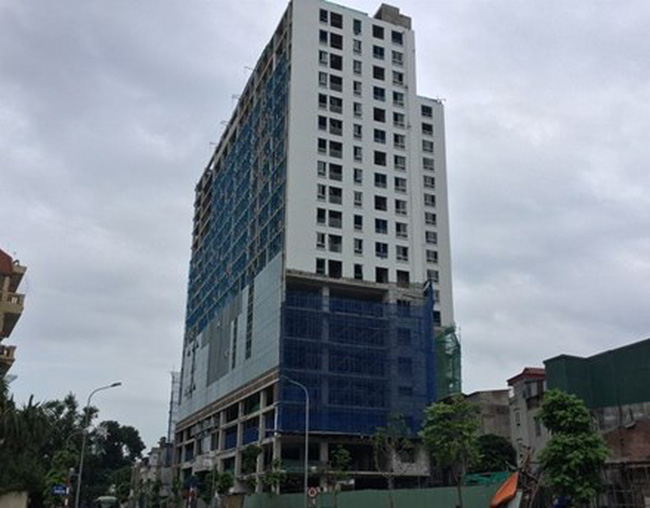 Hết tháng 8 phá dỡ xong tầng 19 nhà 8B Lê Trực