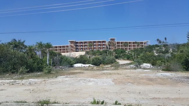 Nở rộ dự án nghỉ dưỡng bao quanh đất vàng sân bay Cam Ranh