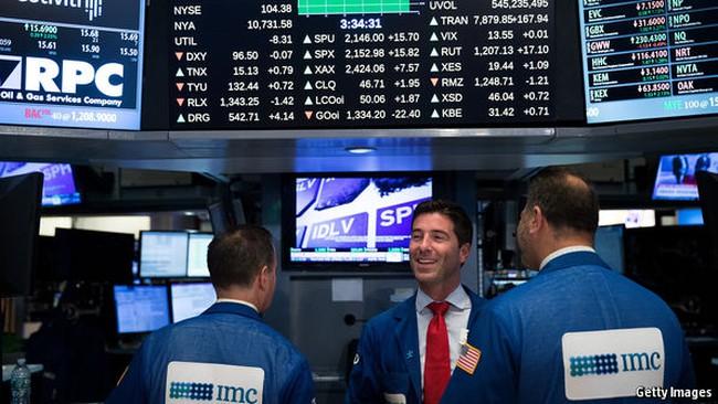 Giải mã cơn sốt tăng giá của chứng khoán toàn cầu