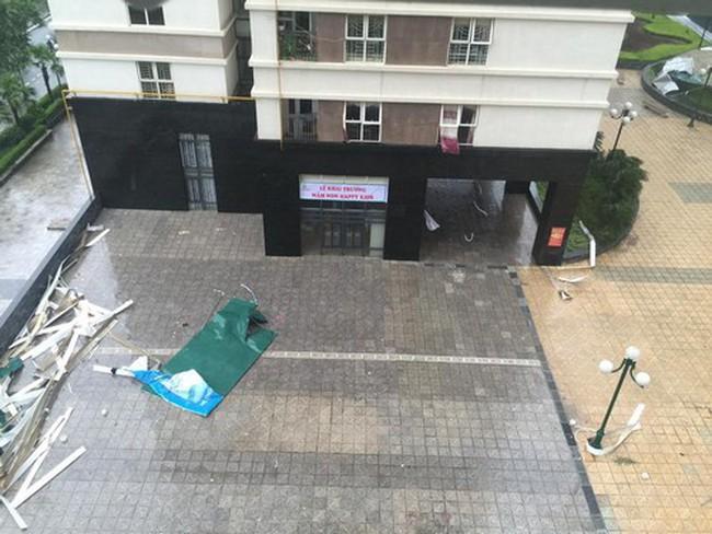 Chung cư Hà Nội lao đao vì bão lớn