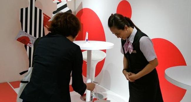 Takashimaya đang sử dụng tuyệt chiêu 'sự tử tế của người Nhật' để mua chuộc khách hàng Việt?