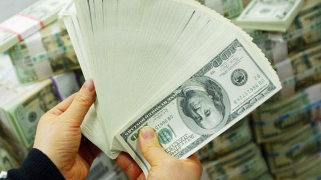 """Mỗi USD đã """"bốc hơi"""" 50 đồng trong chiều nay"""
