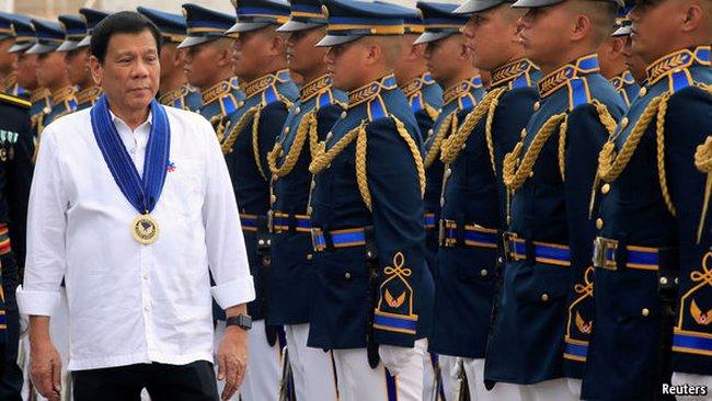 """Kinh tế Philippines có thể """"lâm nguy"""" vì tân Tổng thống"""
