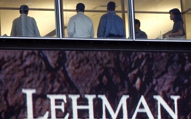 Tại sao Cục Dự trữ Liên bang Mỹ không ra tay cứu Lehman Brothers?