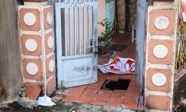 Sụt lún trong nhà dân sau bão số 3