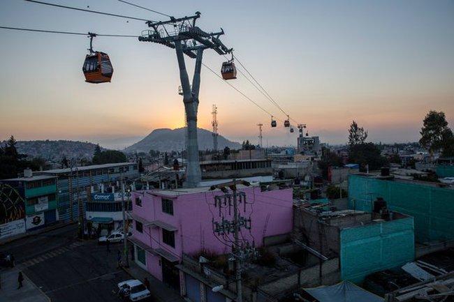 Đi lại bằng cáp treo để tránh tắc đường - Chuyện không lạ ở nhiều thành phố Mỹ Latinh