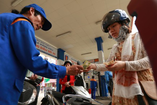 Đã đến lúc để thị trường quyết định giá xăng dầu