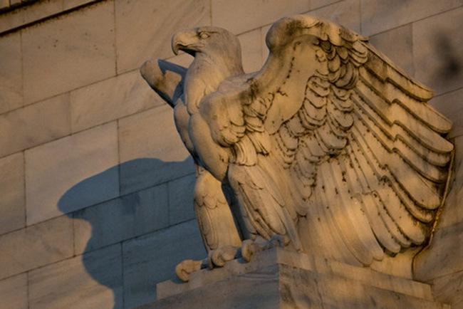 Chờ đợi Fed, phố Wall giao dịch trầm lắng