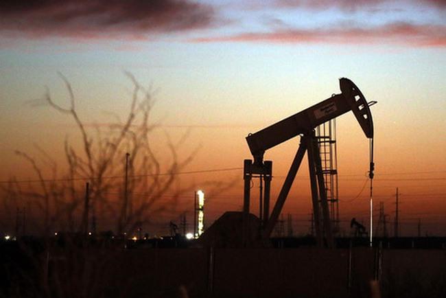 [Chart] Giá dầu vừa làm được điều chưa từng xảy ra kể từ năm 2014