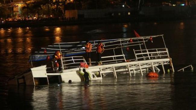 Lật tàu trên sông Hàn, xử lý hình sự ai?