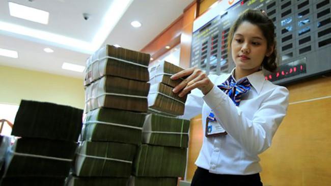 Lương trung bình của sếp cao gấp 4 lần sinh viên ngân hàng mới tốt nghiệp