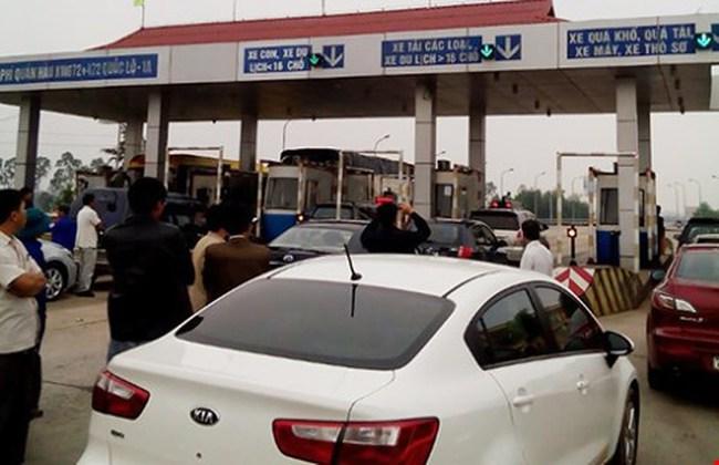 Phí giao thông tăng mạnh, dân phản đối