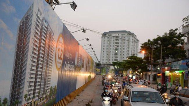Nhà cao tầng bao vây sân bay Tân Sơn Nhất